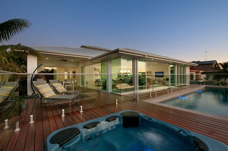 Fantastic Indoor/Outdoor Living Area