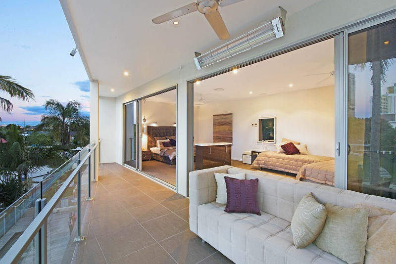 blue waters retreat elite holiday homes gold coast 12233 | balcony off master bedroom