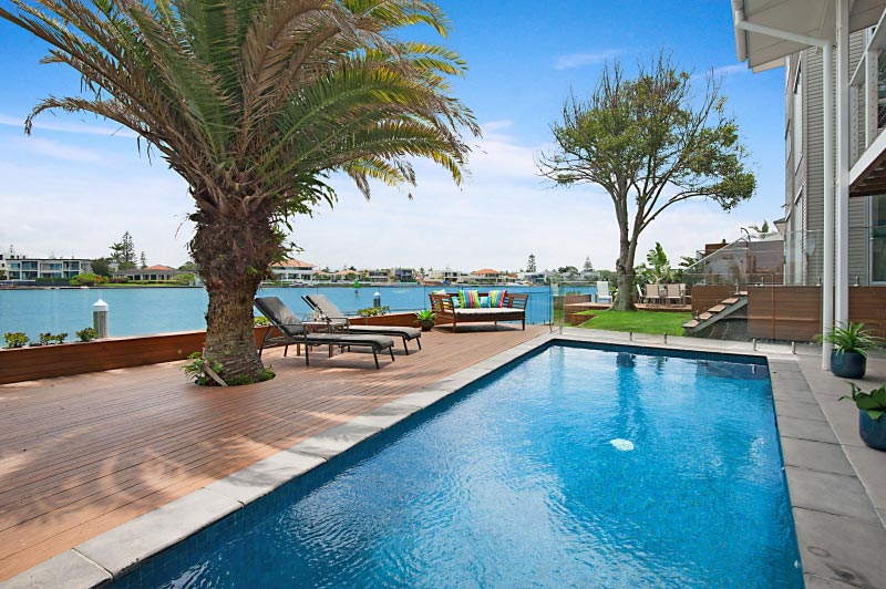 Elite gold coast holiday houses for rent main river magic for Pool design gold coast
