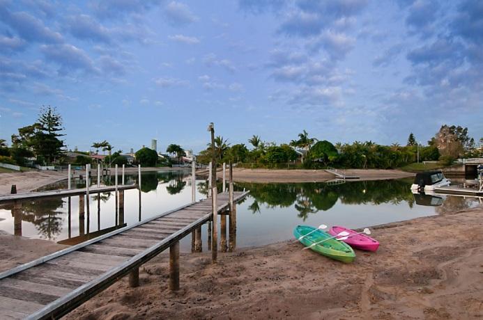 kayaks-canal