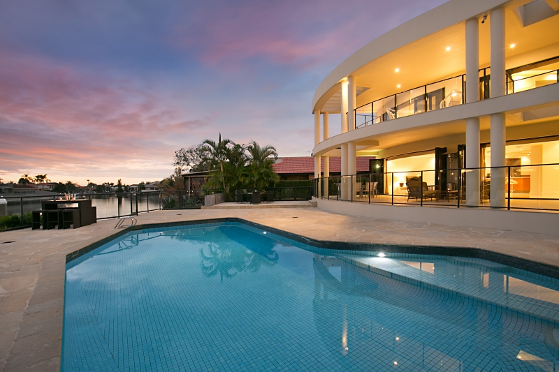 Riviera luxury estate luxury gold coast holiday homes - Large holiday homes with swimming pool ...