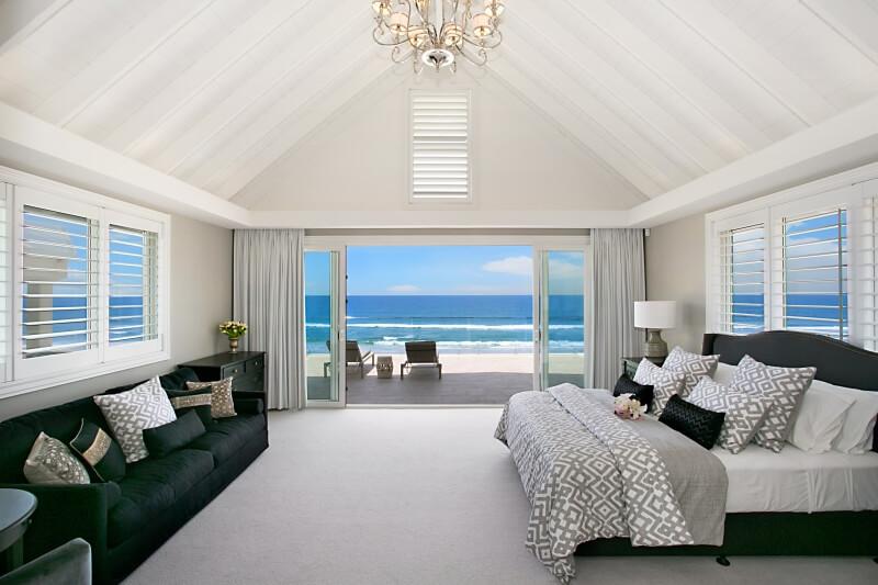 Beachfront holiday home gold coast elite holiday home for Chambre de parade
