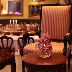 best-restaurants-little-truffle-dining-room-and-bar-01_240x240