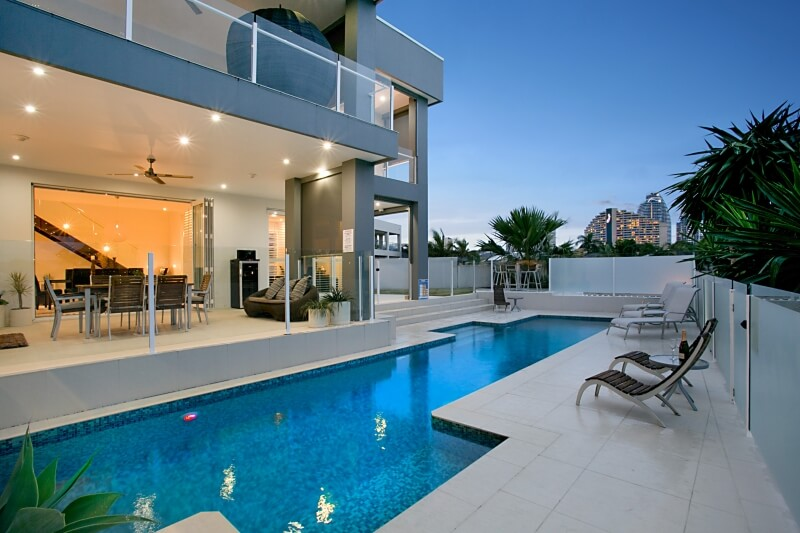 pool-broadbeach-luxury-waterfront