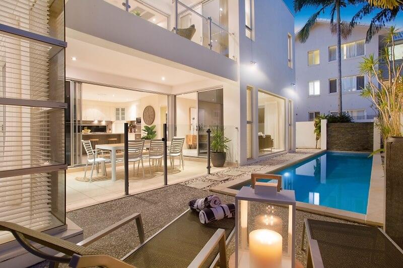 Sirene mermaid beachside bliss luxury gold coast for Beach house designs gold coast