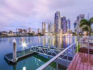Home Spotlight – Riverfront Reflections